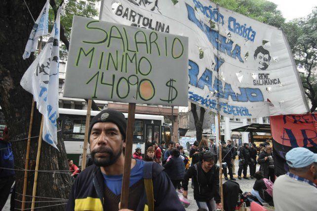 Reclamo. Protesta durante la reunión del Consejo del Salario.