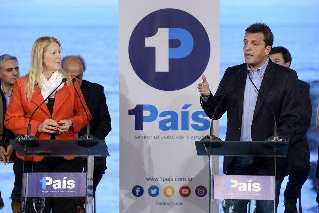 Por el medio. Massa cuestionó por igual a Cristina y al presidente Macri.