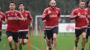 De Central a Núñez. Pinola se puso la camiseta de River y será titular en Asunción.