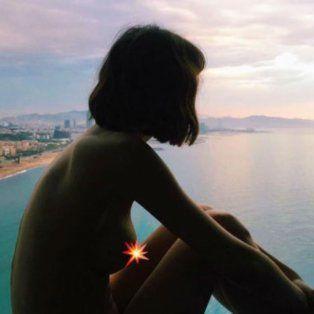 el chino darin le saco una foto a su novia posando desnuda y ella la publico en instagram
