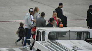 Luis Suárez, otro invitado de lujo, ya está en Rosario para asistir a la boda de Messi