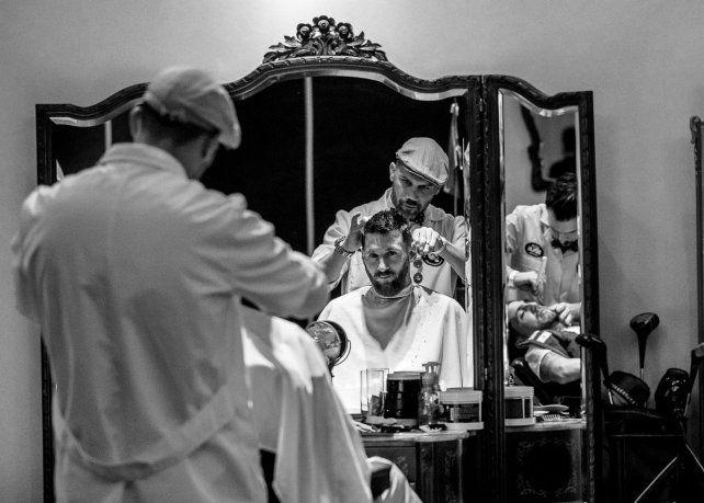 Barberos de Pichincha trasladaron sus salones a City Center. Entre corte y corte