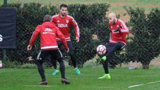 Scocco y Pinola durante un entrenamiento del conjunto Millonario.