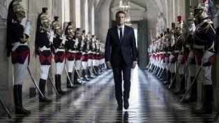 poder. Macron recorre la Galería de los Bustos del Palacio de Versalles