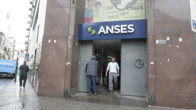 El director regional de Ansés dijo que no se dieron de baja beneficios del plan Progresar