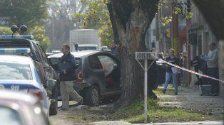 La persecución culminó en Callao al 5700 cuando el vehículo se estrelló contra un árbol.