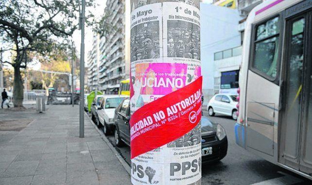 en columnas. El municipio advierte sobre publicidad no autorizada.