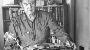 El poeta argentino Edgar Bayley (1919-1990).