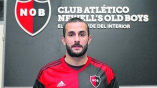 Tiene la rojinegra. El armenio firmó ayer el contrato y se convirtió en la primera cara nueva de Newells.