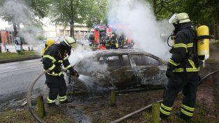 Coches quemados y nuevos choques entre manifestantes y la policía en el arranque del G20