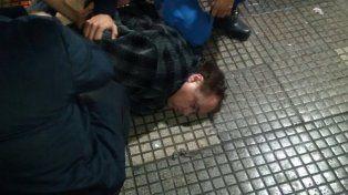 Detenido. Así arrestaron a la Tota Santillán; es acusado de intentar robar indumentaria.