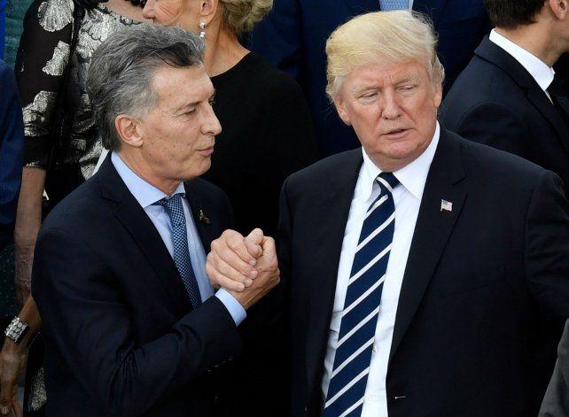 Saludo. Los presidentes Macri y Trump