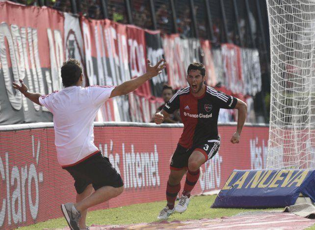Pasado conocido. Insúa jugó en la Lepra y marcó dos goles. Uno de ellos fue a Racing