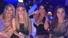 Shakira junto a Daniella Semaan, íntima de Antonela, la semana pasada en el casamiento en City Center.