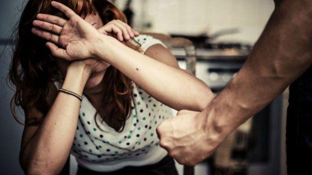 Un hombre cortó a su novia y fue detenido