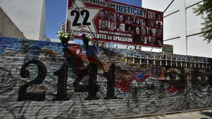 Un mural recuerda a las víctimas de Salta 2141.
