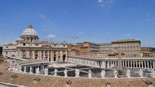 un sacerdote fue sorprendido con drogas y en medio de una orgia en el vaticano