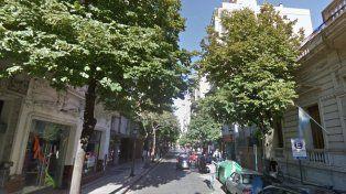 Dolor en el barrio. Una pareja de ancianos fue hallada sin vida en un departamento de Córdoba al 1600.