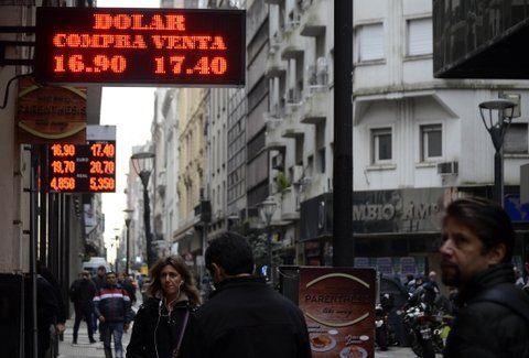 mercado cambiario. La demanda de dólares se mantiene firme.