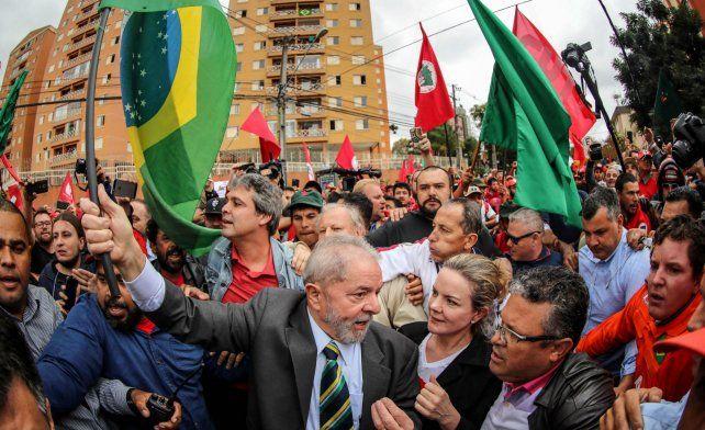Convocan a protestas en San Pablo, Bahía y Brasilia para repudiar condena sin pruebas contra Lula
