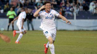 El Colo Romero es un futbolista que impone presencia en la mitad de la cancha.