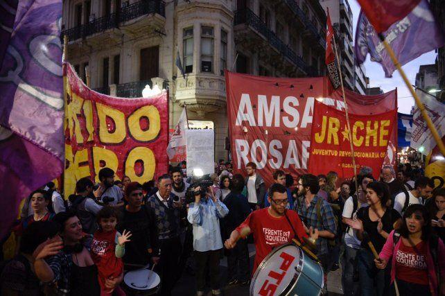 La movlización se congregó esta tardecita en Córdoba y Corrientes.