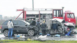 desenlace trágico. El Honda Civic y la Kia Sportage muestran las consecuencias del tremendo impacto.