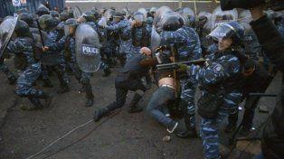 Guerra. La policía arremetió contra los obreros de Pepsico. Aval de los gobiernos nacional y de Buenos Aires.
