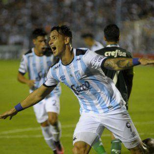 El goleador de Atlético Tucumán, de 29 años, se hizo la revisión médica esta mañana.