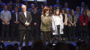 Cristina Kirchner lanzó su campaña en Mar del Plata y pidió un voto en defensa propia