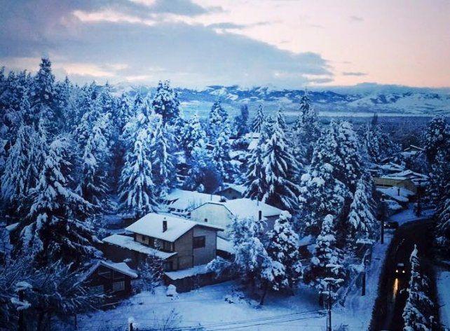 Nevada histórica en Bariloche con temperaturas de 10 grados bajos cero.