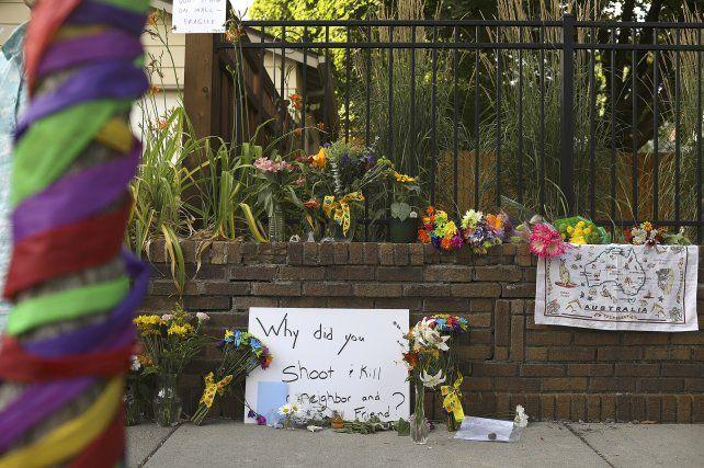 Dolor. Los mensajes que dejaron vecinos y allegados a Justine tras su fallecimiento.