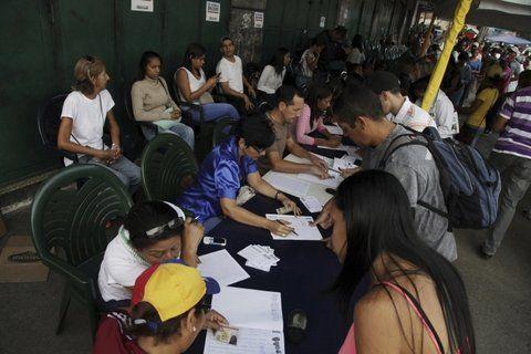 voluntad. Los venezolanos desbordaron las mesas de la oposición.