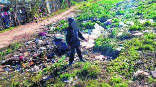 un basural. El lugar de Villa Yapeyú donde arrojaron el cuerpo sin vida de Pablo Cejas pasadas las 23 del lunes.