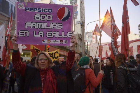 Protesta. Rosario se sumó a la jornada de protesta contra los despidos.