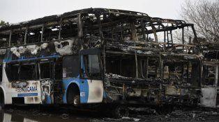 El incendio se produjo el jueves 12 de julio. Se destruyeron casi 40 colectivos.