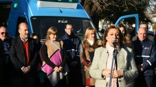La intendenta Mónica Fein durante el acto donde se entregaron dos ambulancias y dos motos al Sies.