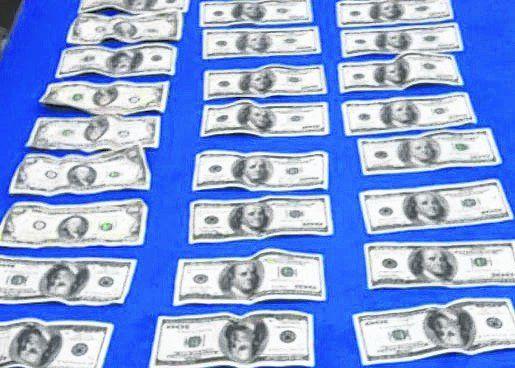 plata mojada. En uno de los asaltos robaron 5.500 dólares.