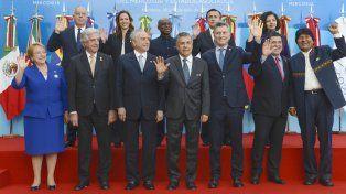 El presidente Mauricio Macri junto a los mandatarios que participaron de la Cumbre del Mercosur en Mendoza.