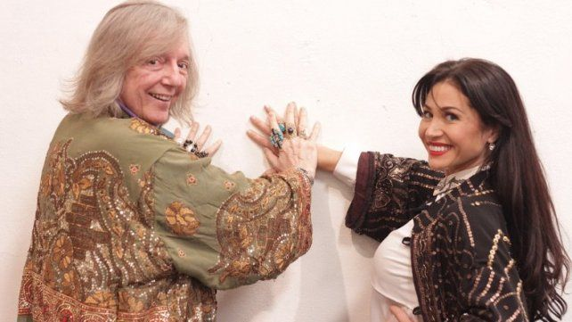 Pepe Cibrián y Adabel Guerrero posan para las fotos promocionales del nuevo musical.