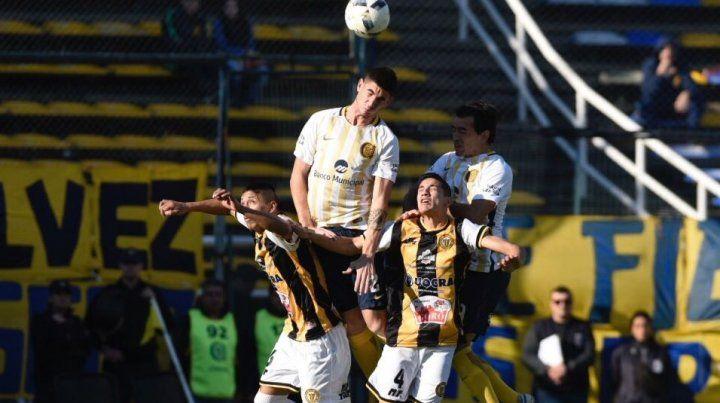 Con autoridad, Central goleó a Alianza Sport 4 a 0 y se metió en los cuartos de la Copa Santa Fe