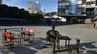 El rosarino en plaza Montenegro.