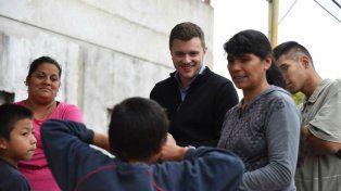 Por los barrios. López Molina saludó la decisión presidencial.