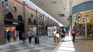 El centro comercial donde trabaja como guardia de seguridad el acusado.