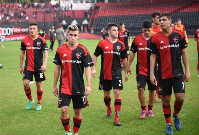 El Chocho Llop arrancó su ciclo en Newells con una dolorosa derrota ante Sportivo Rivadavia