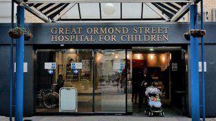 Amenazan para evitar la eutanasia de un bebé inglés