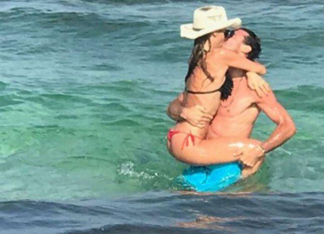 Pampita publicó imágenes súper sexy a los besos con Pico Mónaco en Islas Baleares