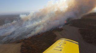 El incendio fue sofocado tras varias horas, numerosos cuarteles de bomberos y el aporte de aviones hidrantes.