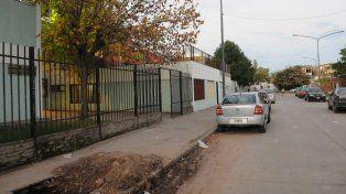 La pelea que tuvo un final fatal ocurrió a pocos metros de la escuela Lola Mora.