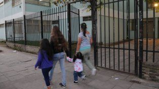La escuela de la zona sudoeste. El violento incidente ocurrió a pocos metros de su ingreso.